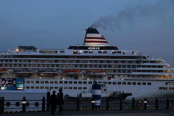 横浜港を船籍とする飛鳥II